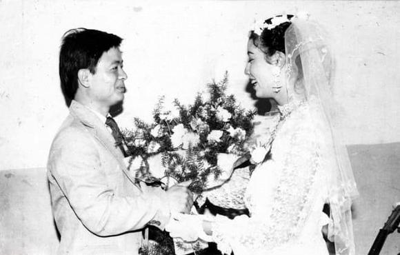 Kỷ niệm 32 năm ngày cưới, NSƯT Chiều Xuân tiết lộ loạt ảnh hiếm trong đám cưới năm 20 tuổi-2