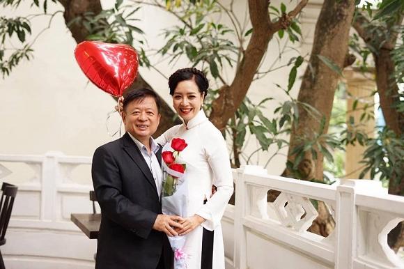 Kỷ niệm 32 năm ngày cưới, NSƯT Chiều Xuân tiết lộ loạt ảnh hiếm trong đám cưới năm 20 tuổi-8