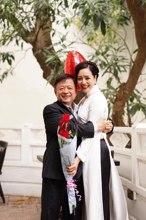 Kỷ niệm 32 năm ngày cưới, NSƯT Chiều Xuân tiết lộ loạt ảnh hiếm trong đám cưới năm 20 tuổi-9