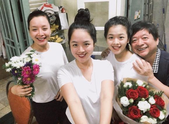 Kỷ niệm 32 năm ngày cưới, NSƯT Chiều Xuân tiết lộ loạt ảnh hiếm trong đám cưới năm 20 tuổi-10