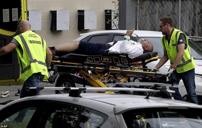 Xả súng đẫm máu tại nhà thờ New Zealand: Kẻ thủ ác livestream từ đầu đến cuối, hàng chục người thương vong-7