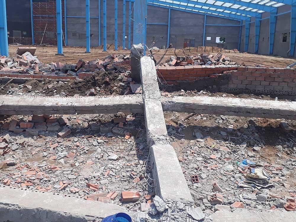 Vĩnh Long: Sập tường công trình nhà xưởng vùi lấp ít nhất 15 công nhân, 5 người tử vong-2