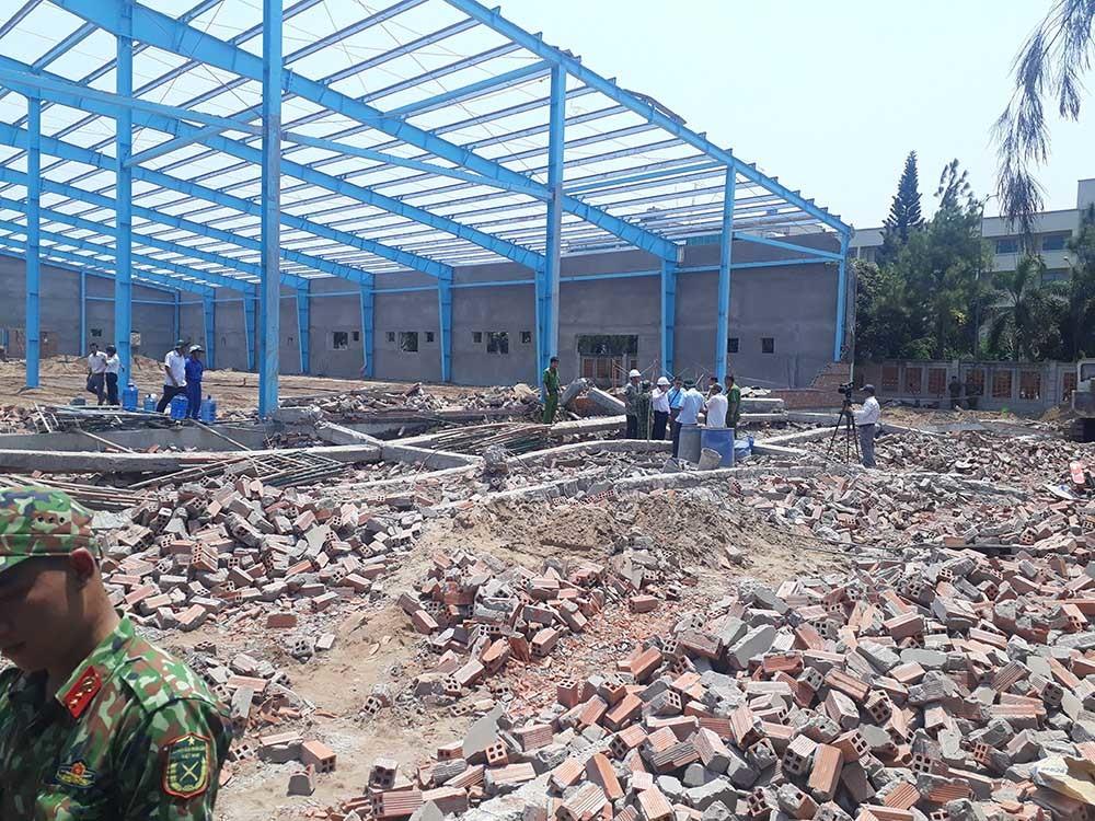 Vĩnh Long: Sập tường công trình nhà xưởng vùi lấp ít nhất 15 công nhân, 5 người tử vong-3