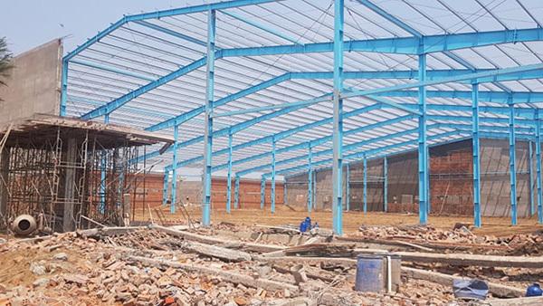 Vĩnh Long: Sập tường công trình nhà xưởng vùi lấp ít nhất 15 công nhân, 5 người tử vong-5