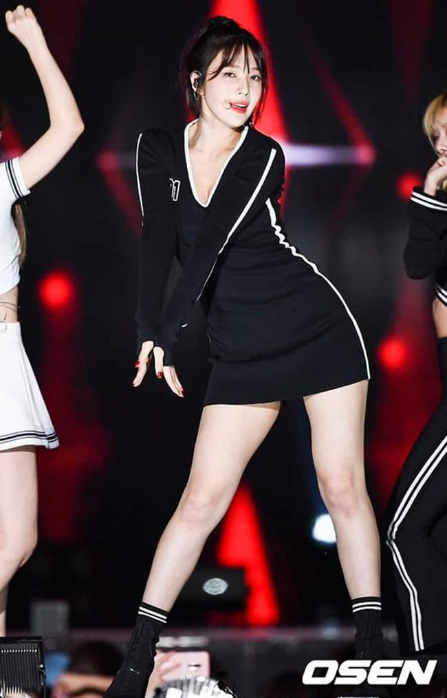 So kè body 3 nữ thần gợi cảm thế hệ mới Hàn Quốc-7