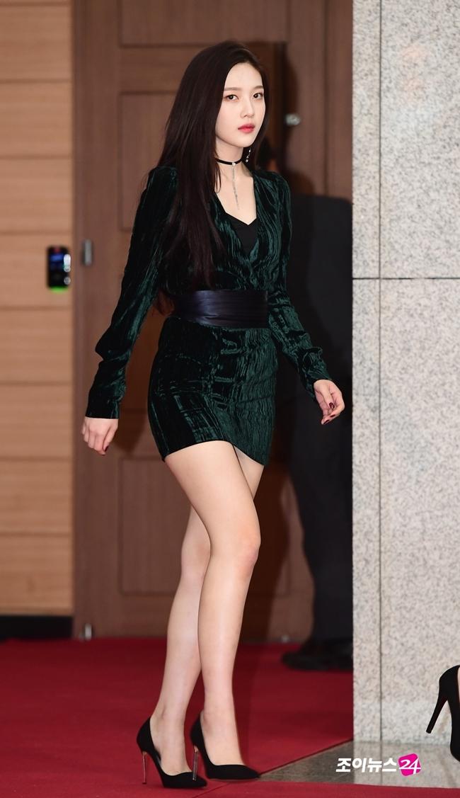 So kè body 3 nữ thần gợi cảm thế hệ mới Hàn Quốc-9