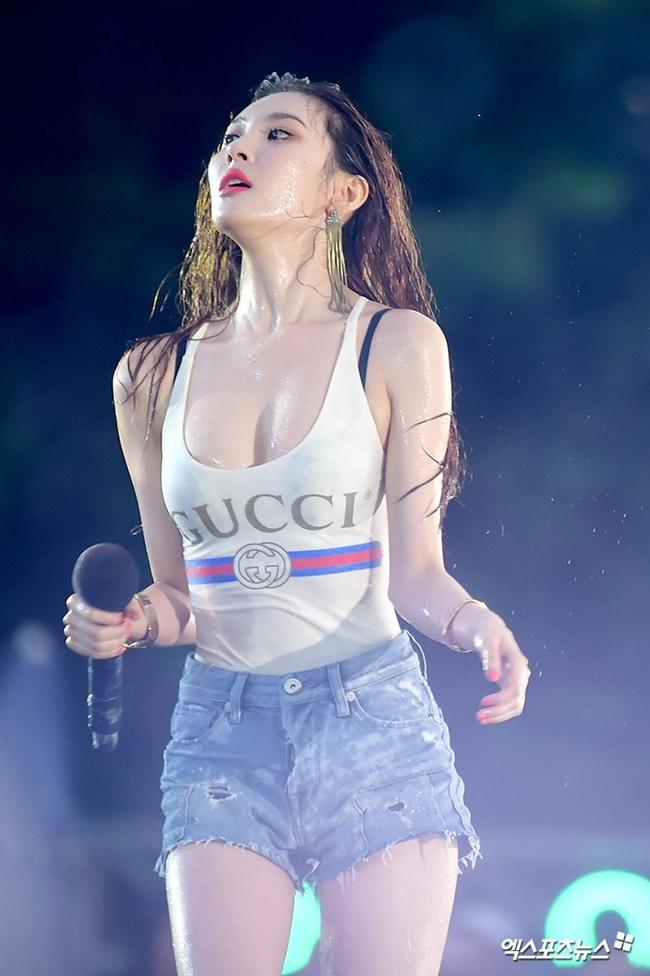 So kè body 3 nữ thần gợi cảm thế hệ mới Hàn Quốc-17