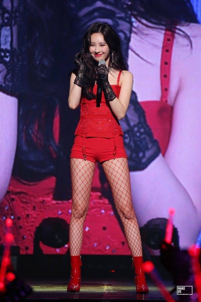 So kè body 3 nữ thần gợi cảm thế hệ mới Hàn Quốc-18