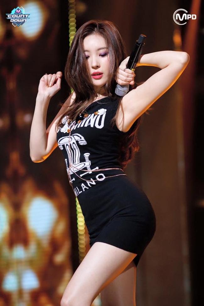 So kè body 3 nữ thần gợi cảm thế hệ mới Hàn Quốc-20