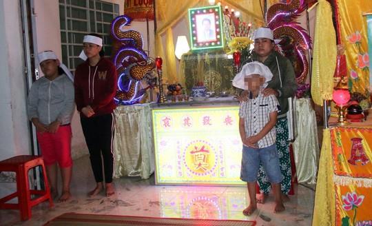 Vụ sập tường 6 người chết ở Vĩnh Long: Con gái nghỉ học làm trụ cột thay cha-2