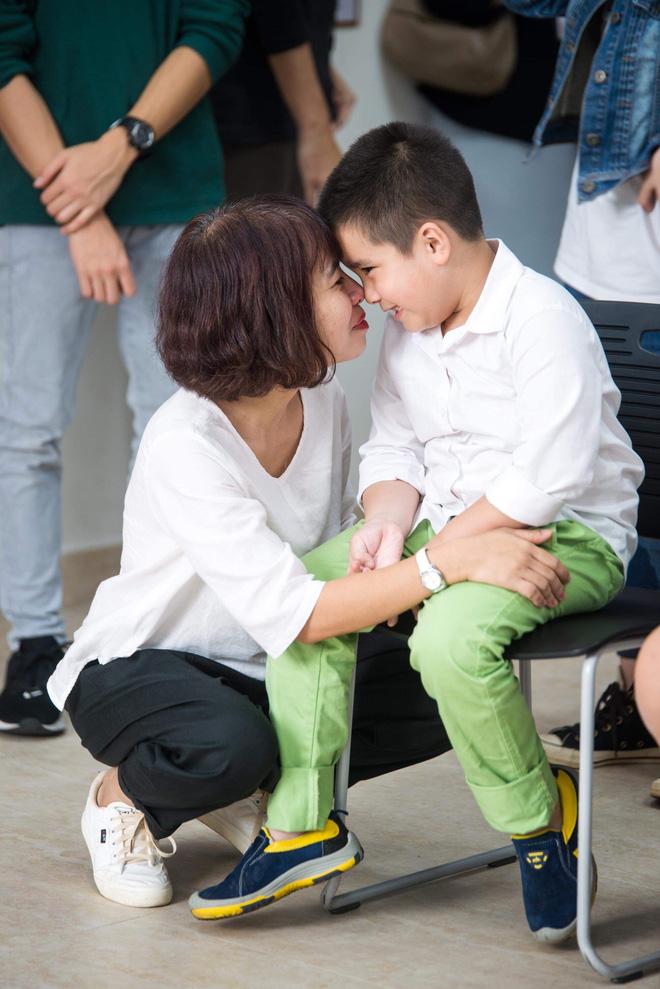 Giọt nước mắt của mẹ và bức tâm thư nhờ cộng đồng tìm trường cho con vào lớp 1-4