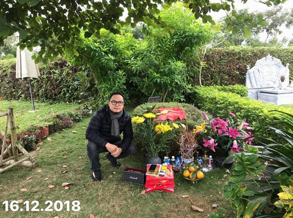 Tròn 3 năm ngày mất cố nhạc sĩ Trần Lập, bà xã đến viếng mộ, thay chồng chia sẻ tâm thư xúc động-3