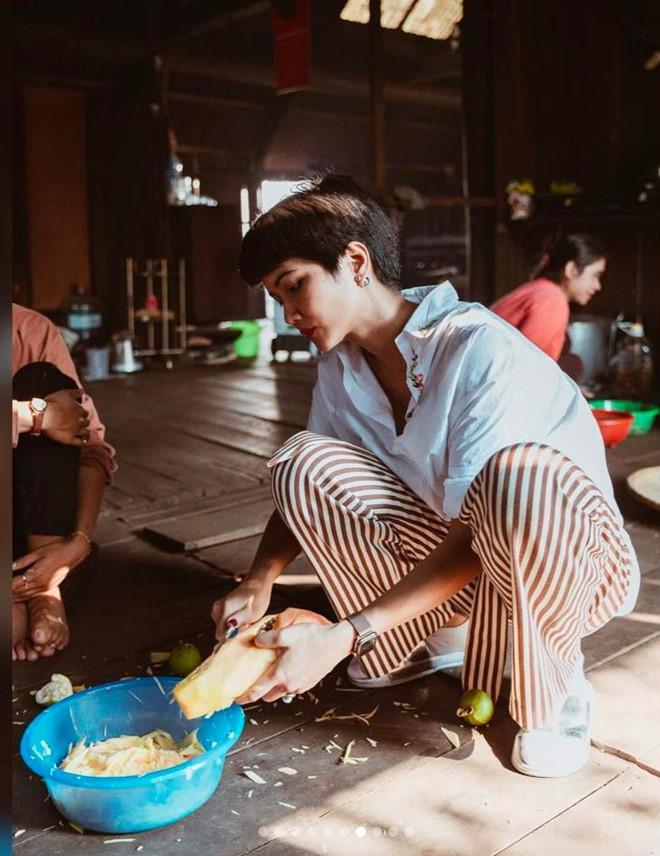 Hoa hậu HHen Niê nấu nướng, rửa bát khi về thăm nhà ở Đắk Lắk-5