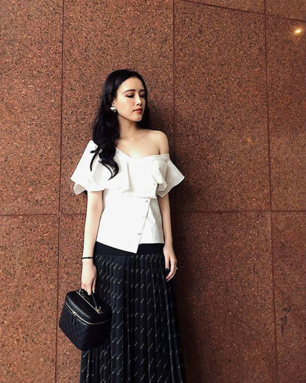 Gia đình mỹ nhân của Mai Phương Thuý: Em gái sexy, sành đồ hiệu không thua chị-14