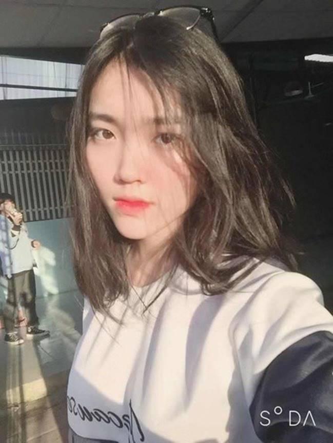 Nữ sinh Thanh Hoá nổi như cồn với bức ảnh thẻ xinh như hotgirl, đã vậy còn học giỏi, hát hay và là cao thủ võ thuật-6