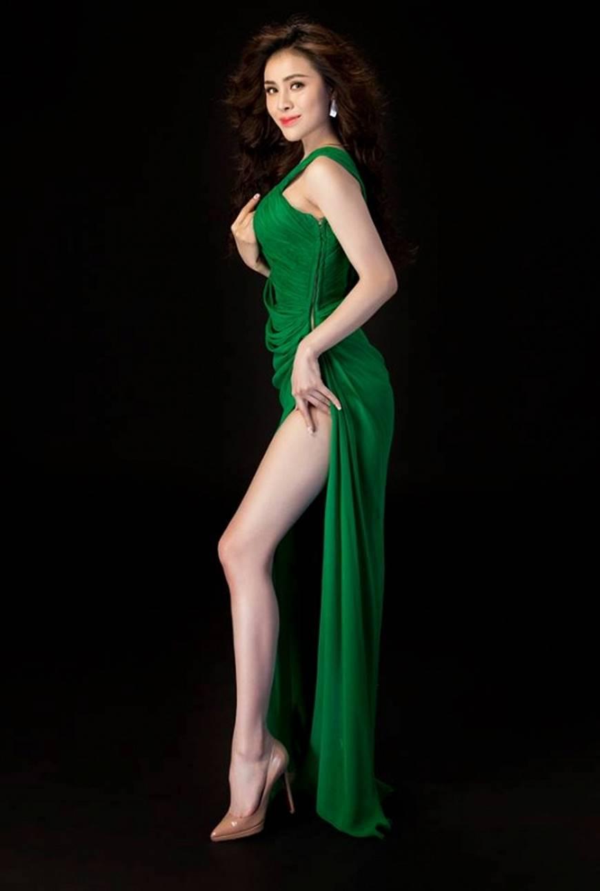 Hậu nghi án bán dâm, Á hậu Thư Dung diện đầm xẻ cao chụp hình táo bạo-2
