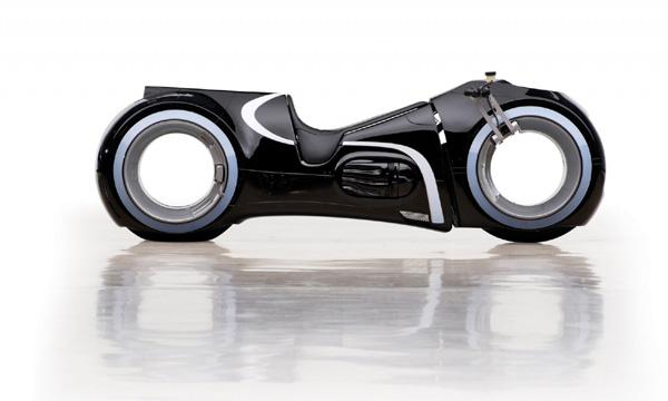 Khả năng đặc biệt của siêu mô tô 2,7 tỷ Đức Tào phớ vừa mua-2