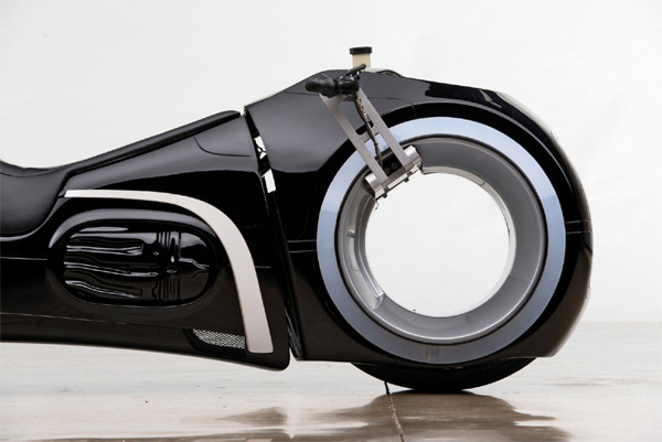 Khả năng đặc biệt của siêu mô tô 2,7 tỷ Đức Tào phớ vừa mua-4