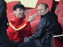 Thắng thầy Park khi chơi game Hàn Quốc, Đoàn Văn Hậu cười đầy khoái chí