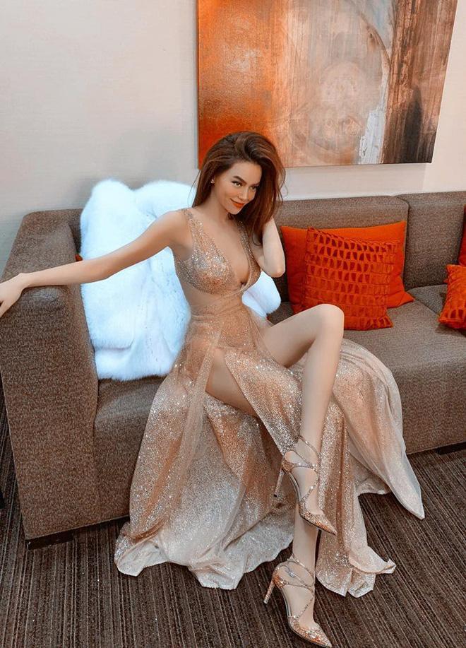 Diện đầm lấp lánh sexy, Hồ Ngọc Hà được ví đẹp như tiên nữ giáng trần-1