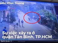Cướp chạy xe máy bị người đi đường đá ngã văng