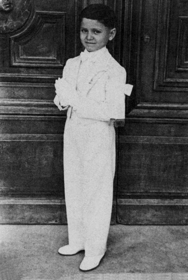 Ông hoàng thời trang Ý Gianni Versace: Cuộc đời tài hoa lẫy lừng và vụ ám sát bí ẩn đến nay vẫn chưa có một lời giải thích thỏa đáng-1