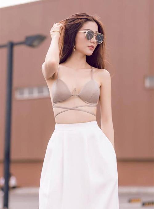 Mỹ nhân Việt thường xuyên nhầm áo lót là... đồ mặc ra đường-4