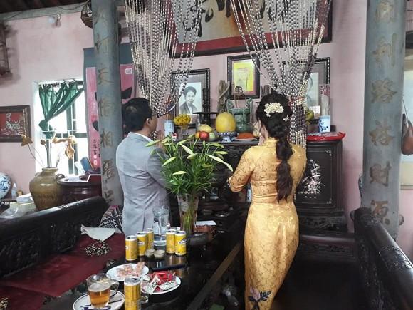 NSND Trung Hiếu tổ chức đám cưới với vợ trẻ kém 19 tuổi ở Thái Bình, bất ngờ nói điều này khiến cả hội trường thích thú-2