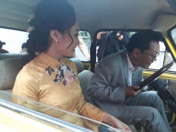 NSND Trung Hiếu tổ chức đám cưới với vợ trẻ kém 19 tuổi ở Thái Bình, bất ngờ nói điều này khiến cả hội trường thích thú-3