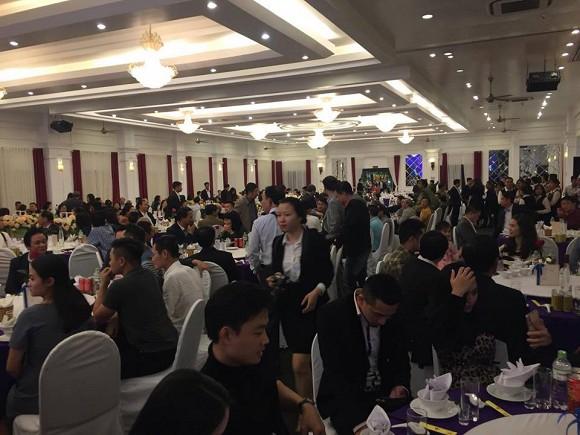 NSND Trung Hiếu tổ chức đám cưới với vợ trẻ kém 19 tuổi ở Thái Bình, bất ngờ nói điều này khiến cả hội trường thích thú-7
