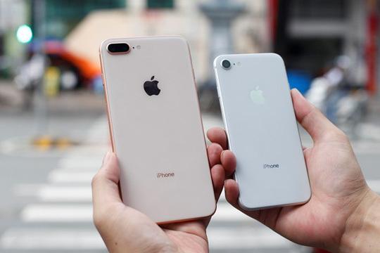iPhone 8 ế ẩm: Khách chê, siêu thị giảm giá, bỏ bán hàng-1