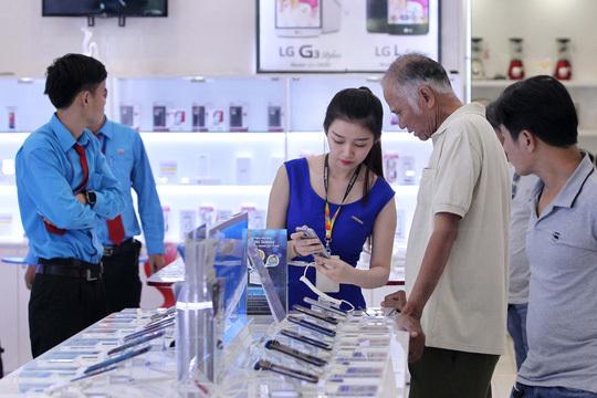 iPhone 8 ế ẩm: Khách chê, siêu thị giảm giá, bỏ bán hàng-2