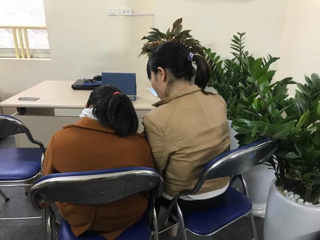 """Cha của bé gái 9 tuổi bị hiếp dâm ở vườn chuối: Nhiều người rỉ tai nhau vợ chồng tôi bán con để Trình được thả""""-4"""