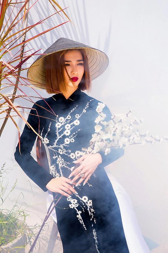 Ngắm Kim Tuyến uy quyền trong trang phục áo dài cách tân-4