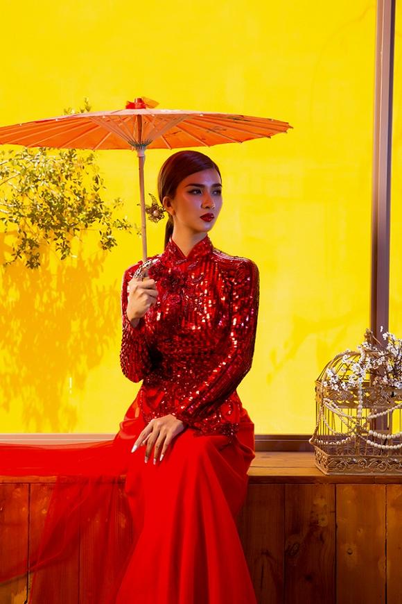 Ngắm Kim Tuyến uy quyền trong trang phục áo dài cách tân-6
