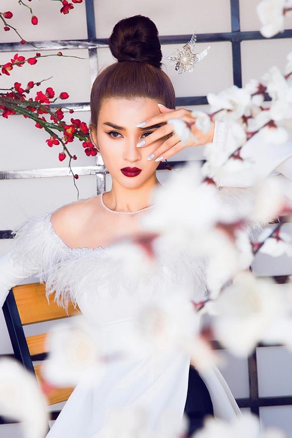 Ngắm Kim Tuyến uy quyền trong trang phục áo dài cách tân-11
