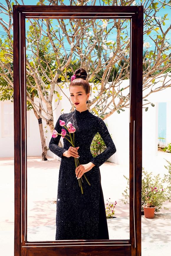 Ngắm Kim Tuyến uy quyền trong trang phục áo dài cách tân-14