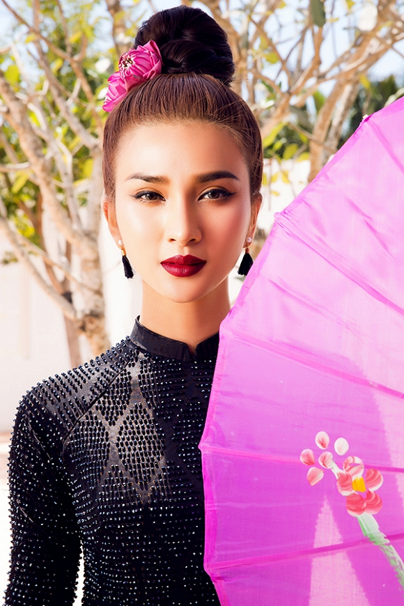 Ngắm Kim Tuyến uy quyền trong trang phục áo dài cách tân-15