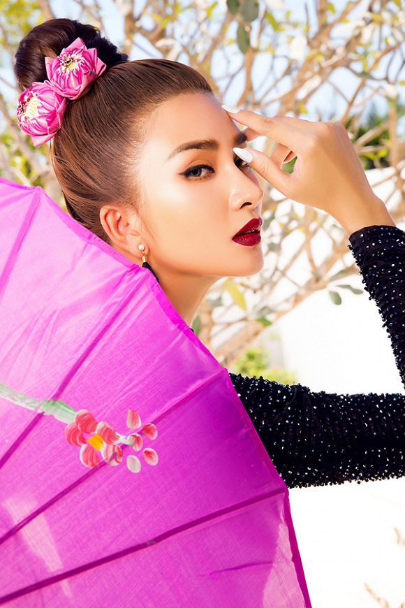 Ngắm Kim Tuyến uy quyền trong trang phục áo dài cách tân-16