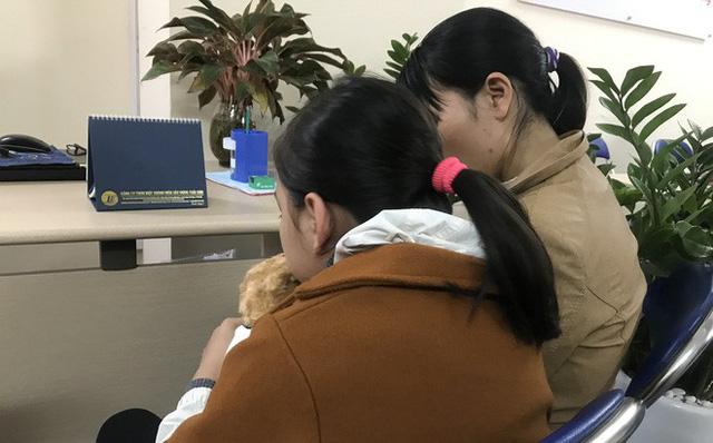 Vụ bé gái 9 tuổi bị xâm hại ở vườn chuối: Công an huyện cho tại ngoại, nhưng công an thành phố đã bắt yêu râu xanh-1
