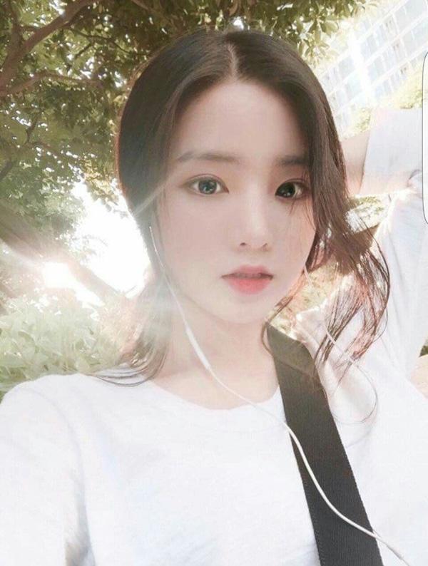 2 mẹ con hotgirl Hàn Quốc gây sốt MXH sau 3 năm: Từng trông như chị em nhưng nhan sắc hiện tại lại quá khác biệt-1