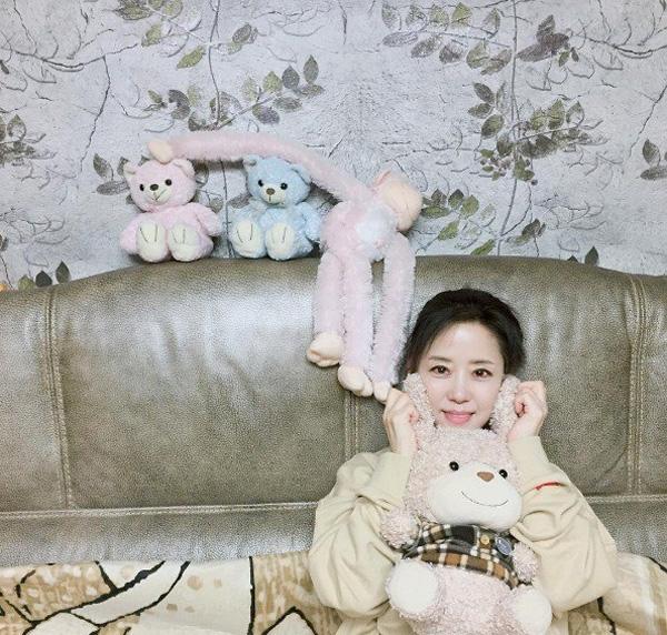 2 mẹ con hotgirl Hàn Quốc gây sốt MXH sau 3 năm: Từng trông như chị em nhưng nhan sắc hiện tại lại quá khác biệt-4