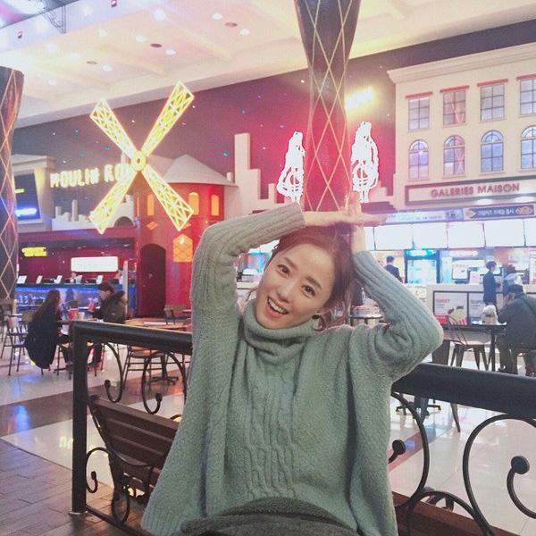 2 mẹ con hotgirl Hàn Quốc gây sốt MXH sau 3 năm: Từng trông như chị em nhưng nhan sắc hiện tại lại quá khác biệt-5