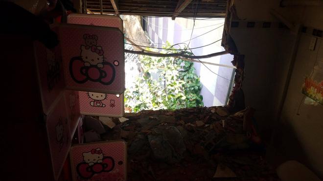 """Cả gia đình kêu cứu"""" vì vô cớ bị đập phá nhà, lập hàng rào nhốt""""-5"""