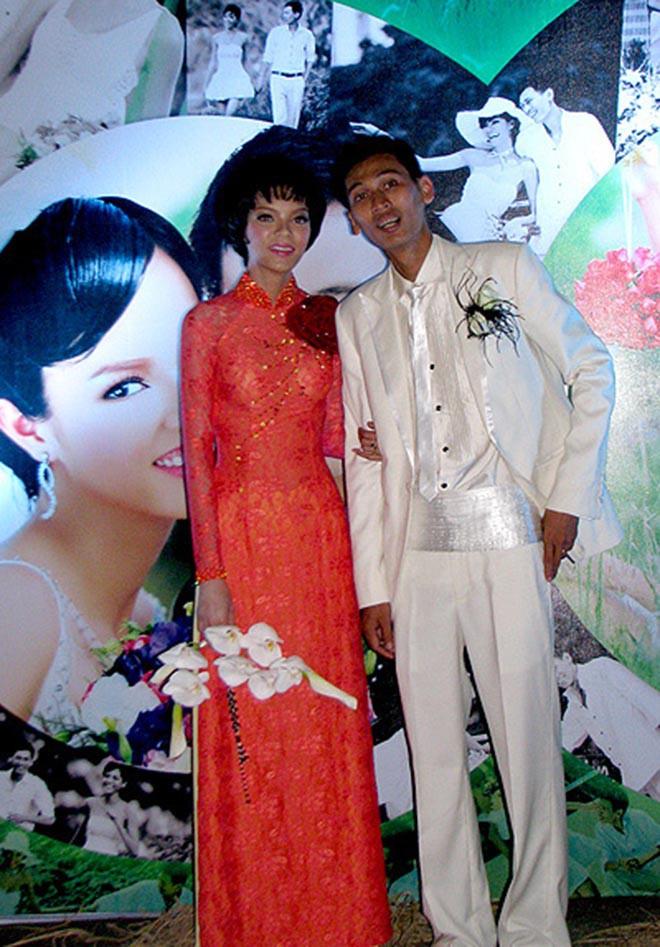 Siêu mẫu Việt nóng bỏng bị chê lấy chồng nghèo, không đẹp trai giờ ra sao?-8
