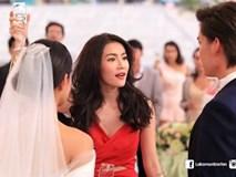 Chồng mời người yêu cũ tới đám cưới, còn ôm eo nhau chụp ảnh, em liền giả bộ thân thiết rồi trả đũa cho hả giận