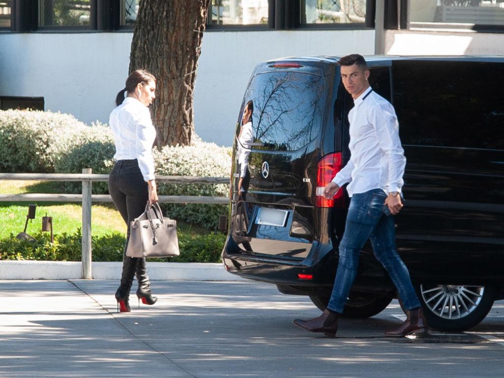 Ronaldo trở lại Madrid ra mắt thương vụ mới: Tin vui cho những… gã đầu hói!-2