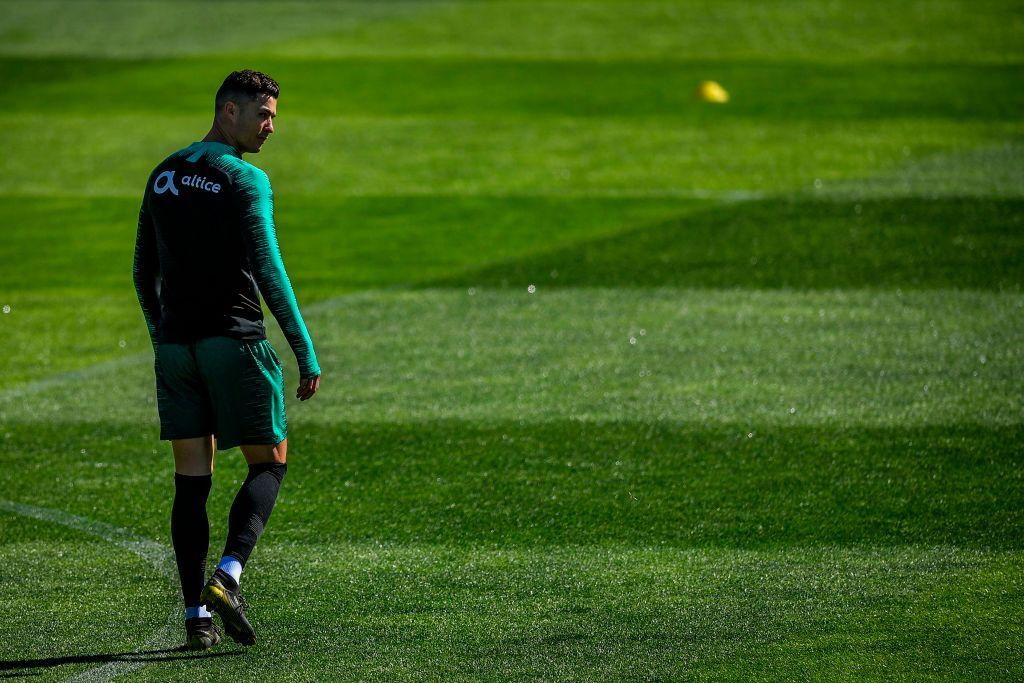 Ronaldo trở lại Madrid ra mắt thương vụ mới: Tin vui cho những… gã đầu hói!-7