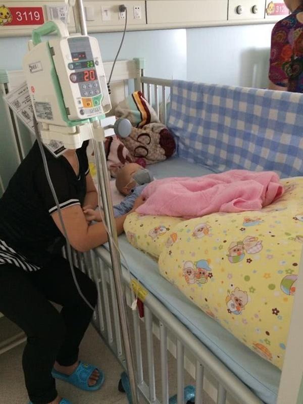 """Bé trai 1 tuổi bị chẩn đoán ung thư bạch cầu, bác sĩ khẳng định kẻ sát nhân"""" ẩn mình ngay trong căn nhà mới xây của gia đình-2"""