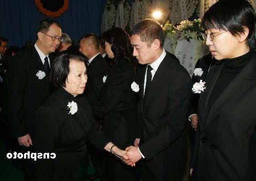 Thiếu gia ăn chơi nhất Trung Quốc: Hạ gục Trương Mẫn, dám tát Triệu Vy, cả đời si mê người đẹp đã mất-8